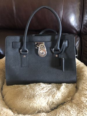 Muchas Kors purse for Sale in Pomona, CA