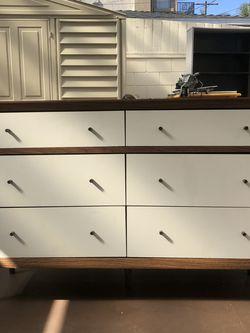Nice Dresser for Sale in Los Angeles,  CA