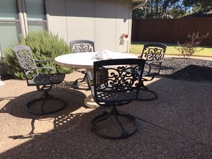 Beautiful patio set table & 4 swivel chairs for Sale in Plano, TX