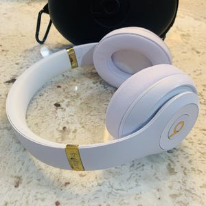 New And Used Wireless Headphones For Sale In Evansville In Offerup
