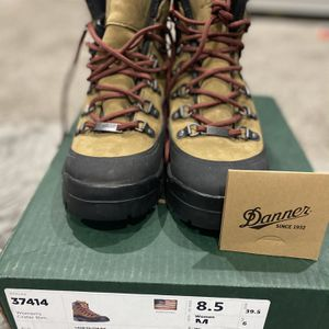 Danner Women's Hiking Boots for Sale in Las Vegas, NV