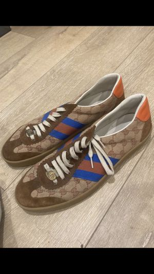 Gucci shoes size 11(1/2) for Sale in Los Angeles, CA