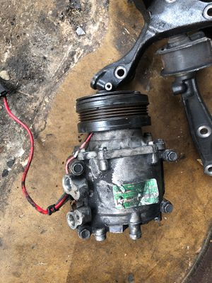 Single cam A/C compressor for Sale in Fort Lauderdale, FL