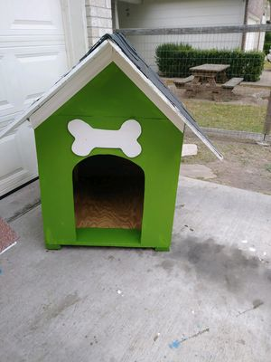 2 Dog houses price is $60.00 each for Sale in Del Valle, TX