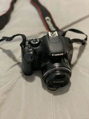 Canon Rebel T2i WITH 2 lens for Sale in Houston, TX