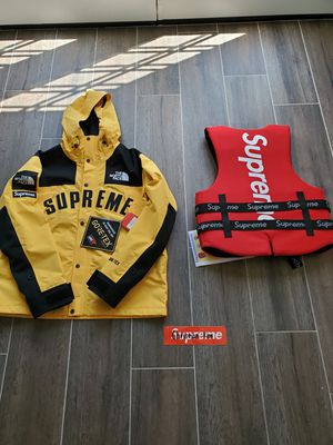 Supreme North Face Arc Logo and O'Brien Life Vest for Sale in Chino Hills, CA