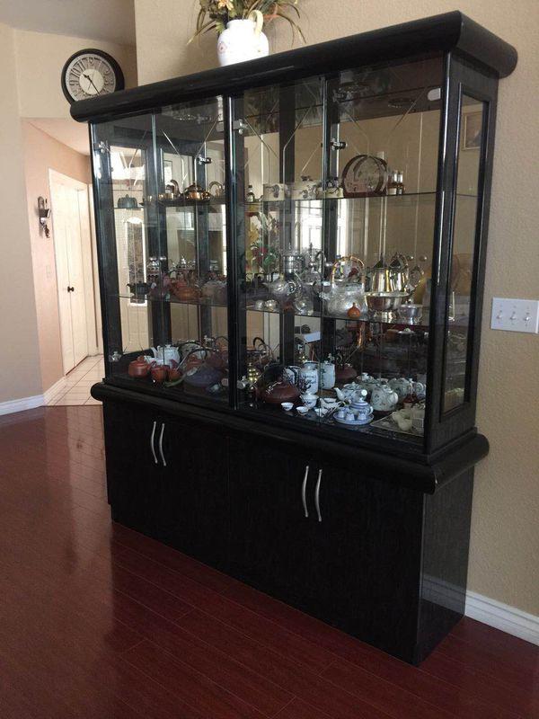 Glass cabinet shelf