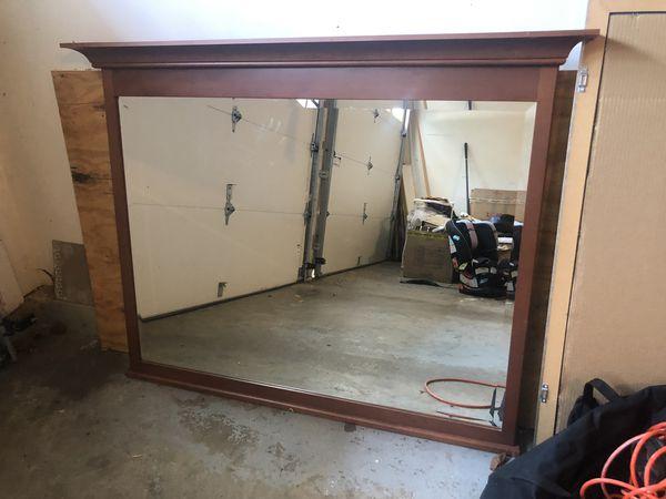 Dresser/Wall Mirror