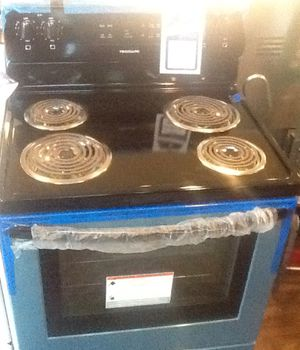 New open box frigidaire electric range FFEF3016TS for Sale in Lawndale, CA