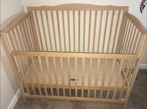 Crib & changing table for Sale in Orlando, FL