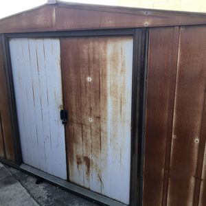Free Shed for Sale in Huntington Beach, CA