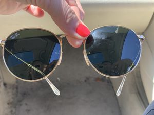 Sunglasses Ray ban with cover for Sale in San Diego, CA