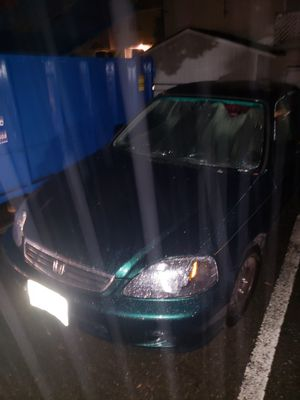 2000 green Honda civic 4 door 144,000 miles automatic run great ...also willing to take trade for another car as long as it is fair for Sale in Lynnwood, WA