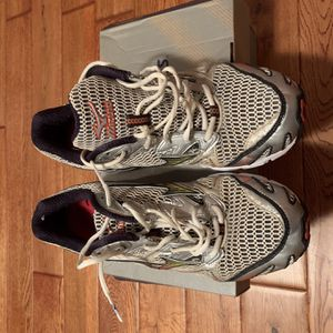 Mizuno Wave Rider 12 Running Shoes for Sale in East Providence, RI