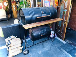 BBQ Smoker/Grill for Sale in Los Angeles, CA