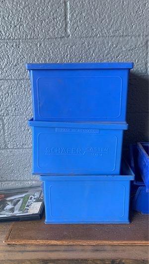 Plastic storage container set of 3 for Sale in Phoenix, AZ
