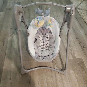 Graco Baby Swing for Sale in Houston, TX