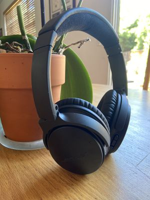 Bose noise quite comfort 35 II headphones (Bluetooth , ultra comfort) for Sale in Gilroy, CA