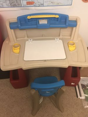 Step 2 Deluxe Art Master Kids Desk for Sale in Lake Elsinore, CA