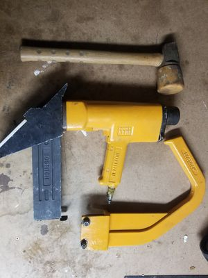 Bostich Flooring stapler / nailer and staples for Sale in Tampa, FL