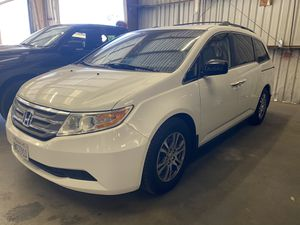 2011 Honda Odyssey EX-L Nav - Backup Camera - New Tires - Super Clean - Salvage Title - Sunroof - Fully Loaded! for Sale in Huntington Beach, CA