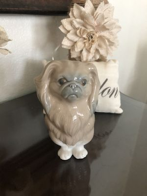 Lladro Pekingese Sitting Dog Figurine for Sale in Moreno Valley, CA