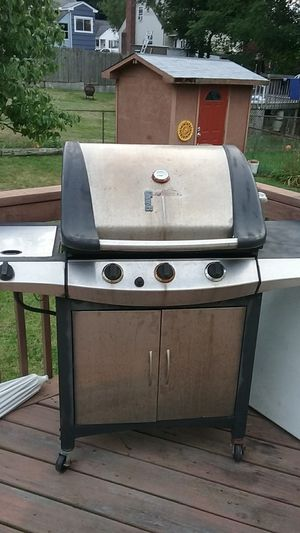 Gas grill for Sale in New Britain, CT