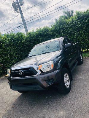 Toyota tacoma 2012 for Sale in Miami, FL