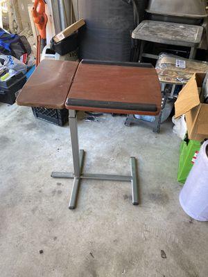 Mesa para Laptop for Sale in Compton, CA