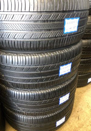 👨🏻🔧🚘SET OF 4 USED TIRES👨🏻🔧🚘 215/55/17 MICHELIN for Sale in Bellflower, CA