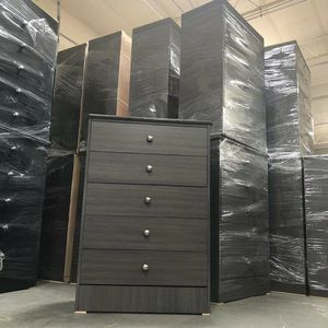 New compressed wood Dresser 5 Drawes for Sale in Montclair, CA