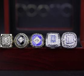 1945 1968 1984 2006 2012 Detroit Tigers Championship Ring Set for Sale in Bakersfield,  CA