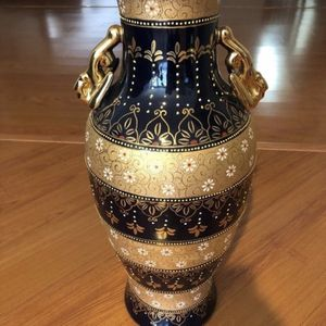 Rare Gorgeous European Design Vase for Sale in Beverly Hills, CA