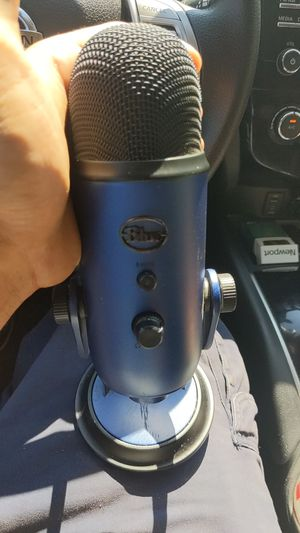 Blue music recording microphone for Sale in Hartford, CT
