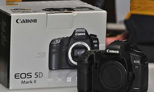 Canon 5D Mark II for Sale in New York, NY