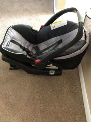 (Graco) baby car seat for Sale in Greece, NY