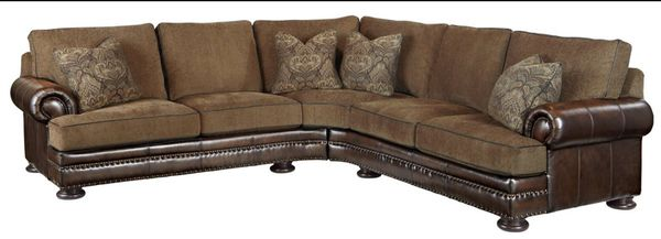 Bernhardt FOSTER SECTIONAL IN LEATHER WITH FABRIC for Sale ...