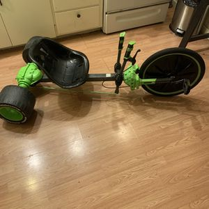 Huffy Green Machine Tricycle for Sale in Tacoma, WA