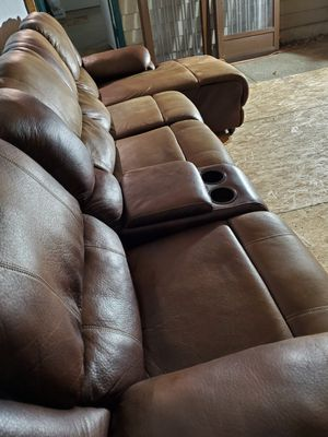 Sectional couch for Sale in Lynnwood, WA