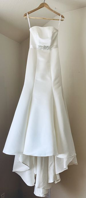 David's Bridal Wedding Dress with Slip, Corset, Belt and Veil for Sale in Pearland, TX