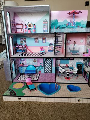 LOL DOLLHOUSE for Sale in Hercules, CA