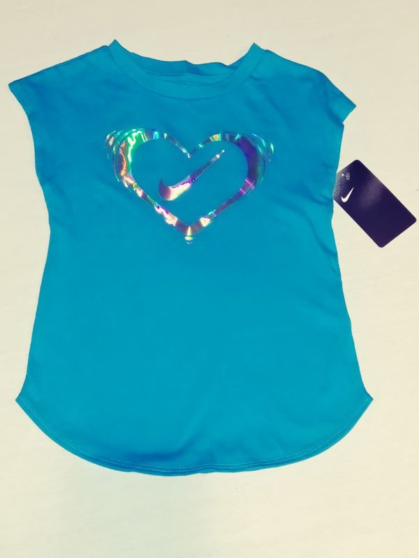 "Girl's Nike Shirt Size 5 ""NEW"""