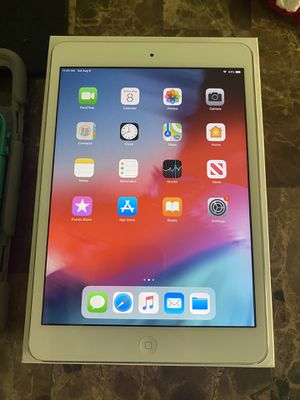 iPad 2 generation 16 GB with charger and case protector box for Sale in Tampa, FL