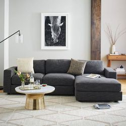West Elm Urban 2-Piece Chaise Sectional for Sale in Hayward,  CA
