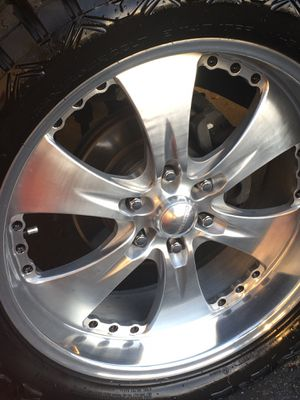"""22"""" Chevys center line classic aluminum wheels with new tires 33"""" for Sale in Carson, CA"""