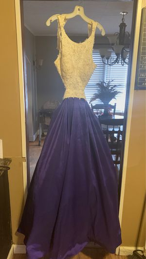 Homecoming/prom dress size 6 for Sale in Alton, IL