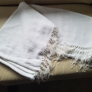 White Throw for Sale in Sherwood, OR