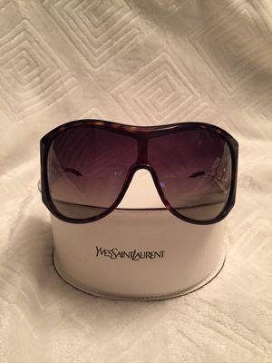 Yves Saint Lauren sunglasses for Sale in Chicago, IL