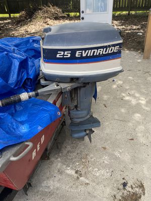 25 hp Out board electric start boat motor for Sale in Austin, TX