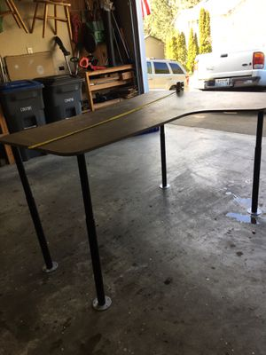 Desk, adjustable legs for Sale in Port Orchard, WA